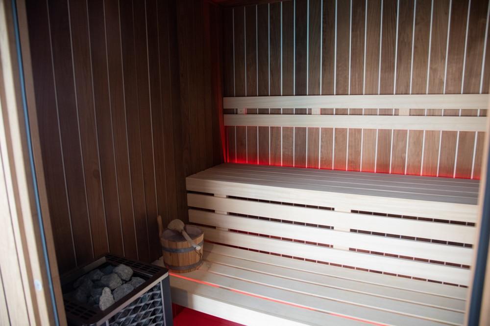 Hotel-les-dunes-la-tranche-sur-mer-spa-sauna-luminotherapie-rouge
