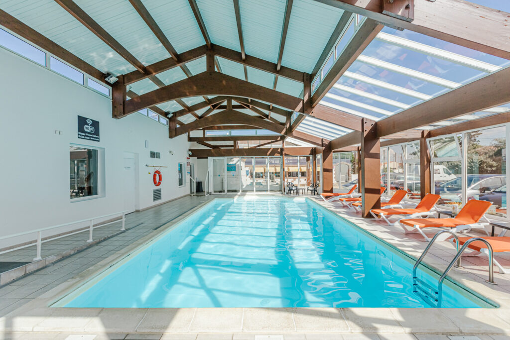 Hotel-les-dunes-la-tranche-sur-mer-piscine